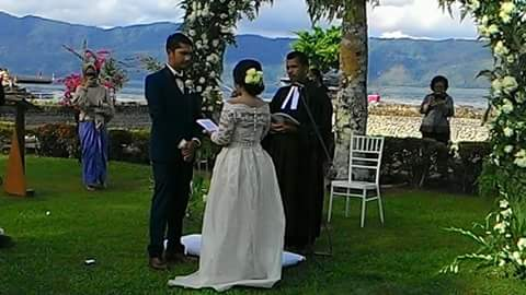 """Pertama di Samosir dan Danau Toba.""""Out Door Wedding"""""""