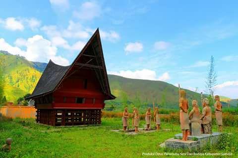 Rumah Si Raja Batak di Samosir