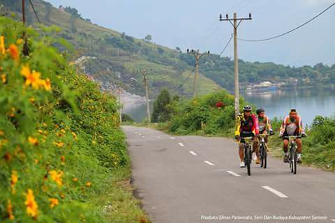 Let's riding bicycle together only in Samosir island
