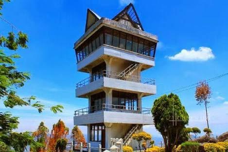 Berlari menuju langit : Menara Pandang Tele,tempat terindah melihat Danau Toba & Samosir